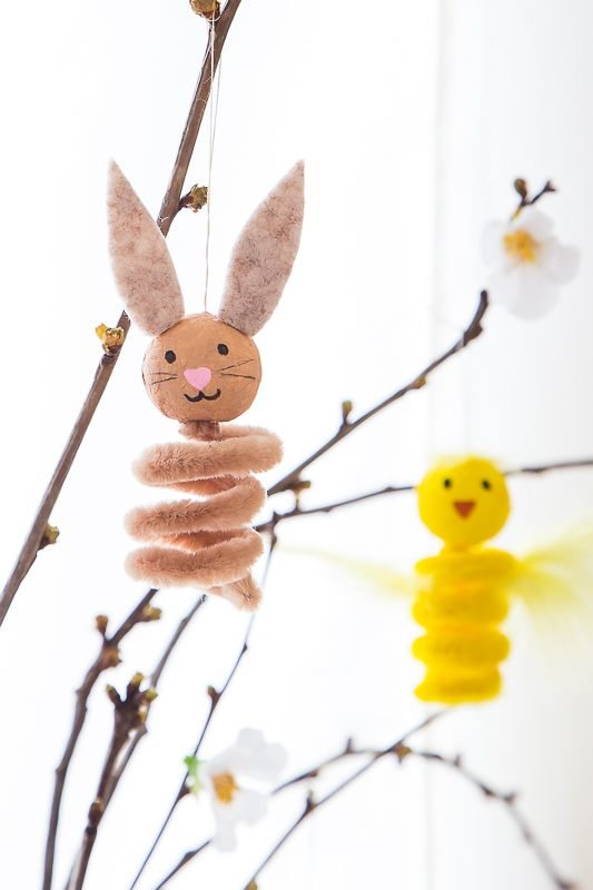 Photo of Craft idea with pipe cleaner – pendant for the Easter branch