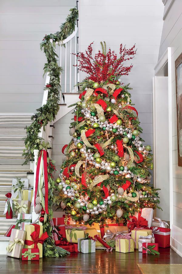 40 Christmas Tree Decoration Ideas And Christmas Trees Photos Christmas Tree Garland Live Christmas Trees Christmas Decorations