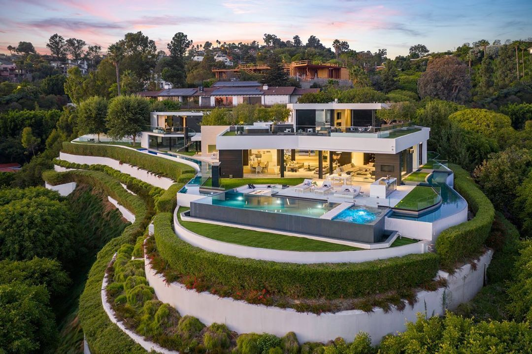 1201 Laurel Way Remarkable Opportunity For An Iconic Mark Whipple Masterpiece In Presti Beverly Hills Mansion Beverly Hills Houses Beverly Hills Real Estate