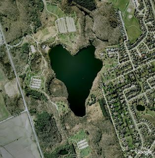 Google Lat Long: Love is in the air...and in Google Earth!