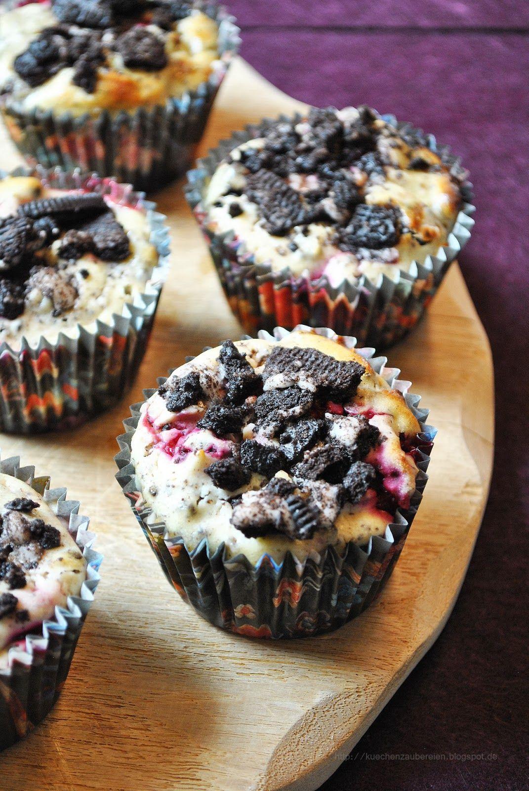 vanilla raspberry oreo cheesecake muffins nimmersatt food pinterest kuchen backen und. Black Bedroom Furniture Sets. Home Design Ideas