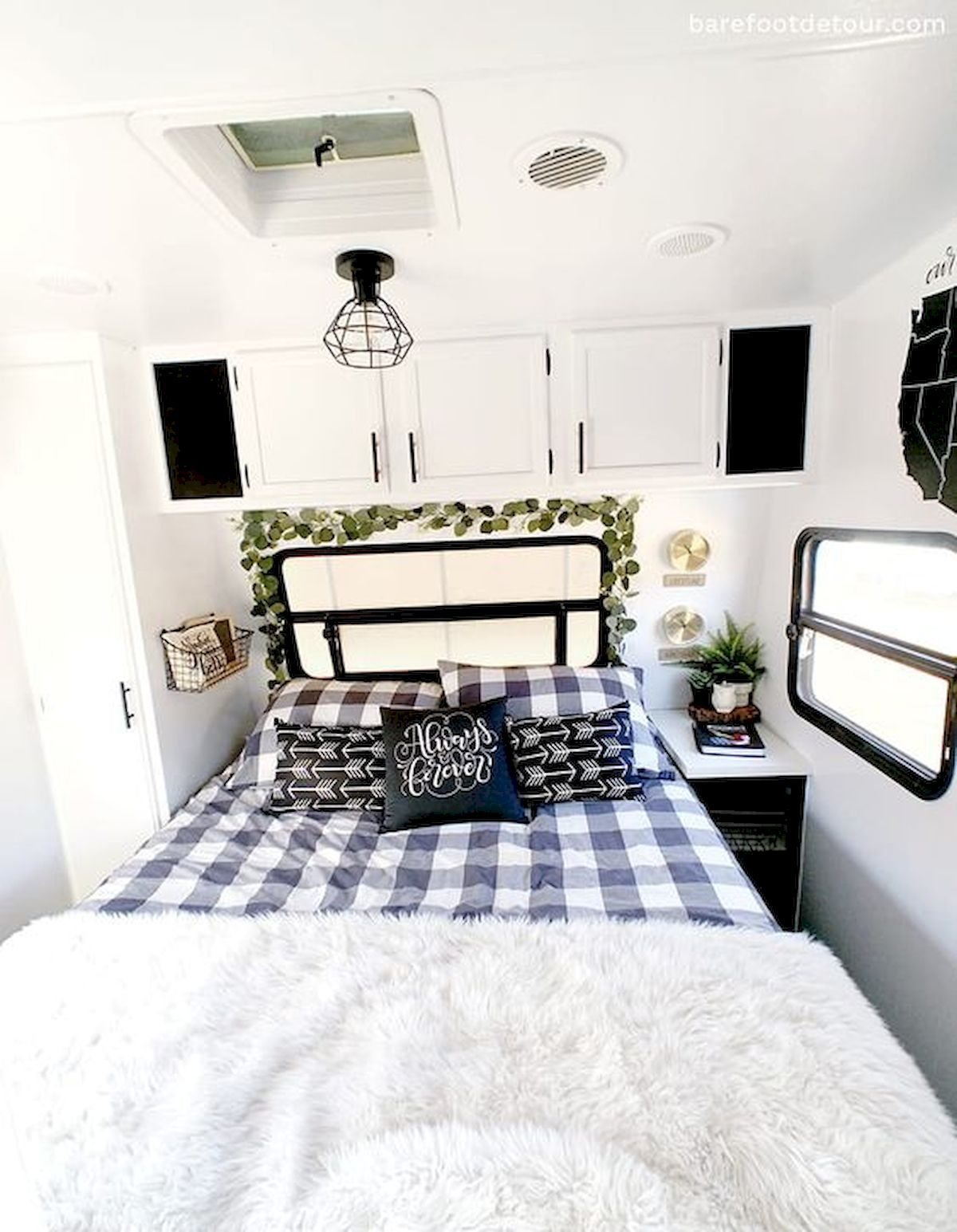 33 of the Best RV Bedroom Ideas33DECOR in 2020 Remodel