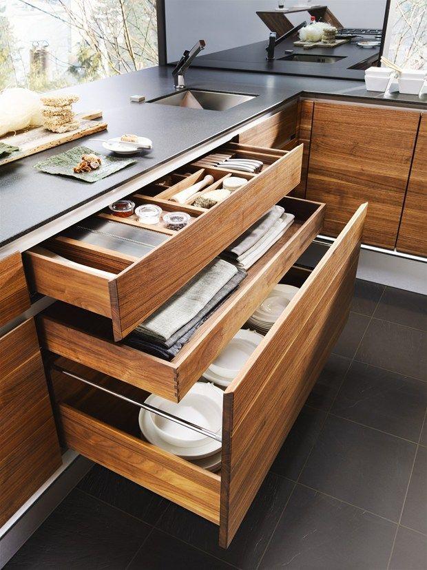 La naturalezza del legno per le cucine Team 7 Linee versatili adatte