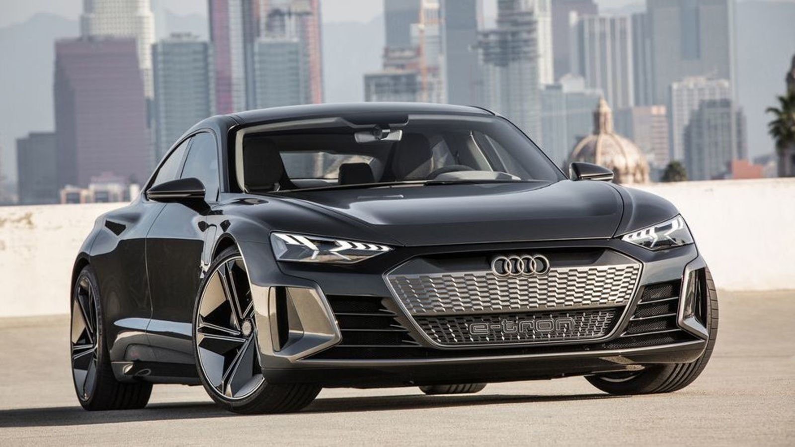 The 2020 Audi E Tron Gt Concept Is An Incredibly Handsome 590 Hp Electric Audi Sports Car Audi E Tron Sports Car Price