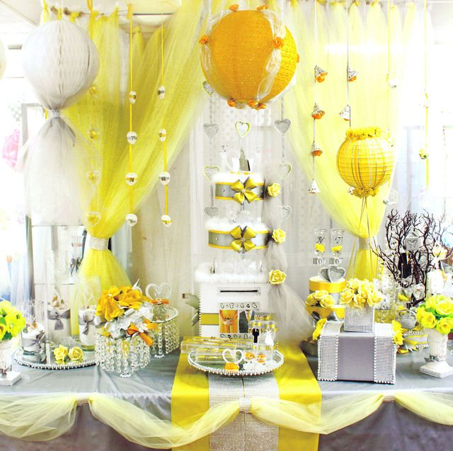 Modern Wedding Backdrop Ideas: Great Modern Wedding Decorations In Silver And Yellow