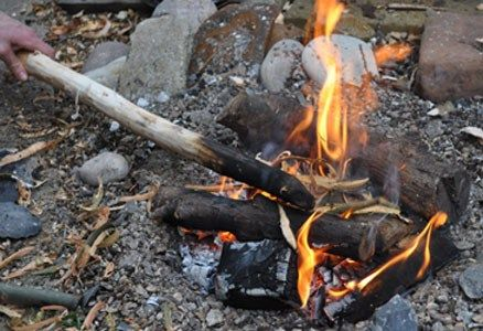 spara av varm försäljning utloppsbutik Survival with Fire: How to Make a Fire Hardened Wood Spear | How ...