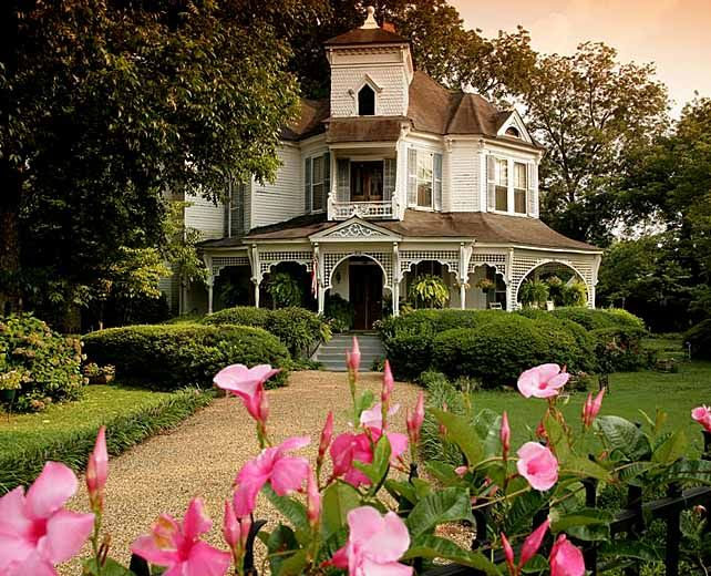 Best 25 antebellum homes ideas on pinterest plantation for Antebellum homes