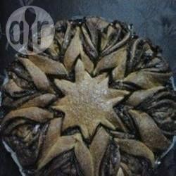 Nutella® Blumenbrot / Das berühmte Nutella® Blumenbrot schmeckt auch sehr gut aus Hefeteig und ist einfach immer ein Hingucker.@ de.allrecipes.com