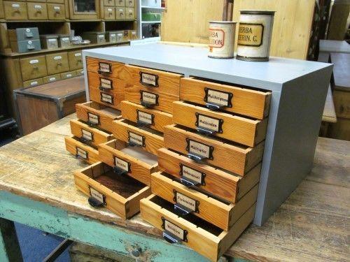 Badezimmer Schubladenschrank ~ Alter apothekerschrank vintage schubladenschrank industriedesign