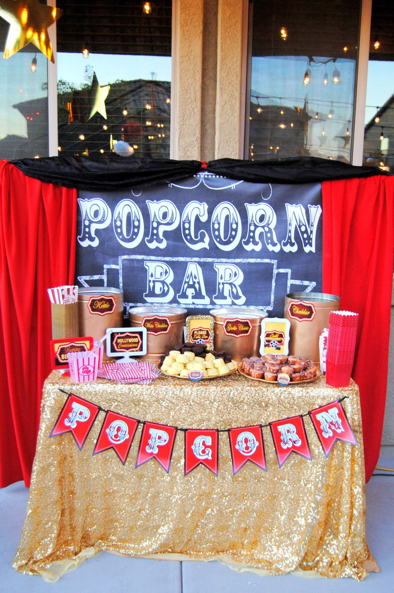 Movie Party - Hollywood - Glam Sign