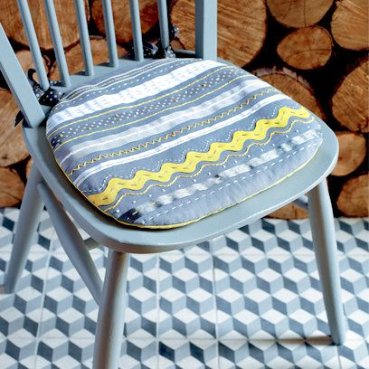 How to make a seat cushion | Seat cushions diy, Diy chair