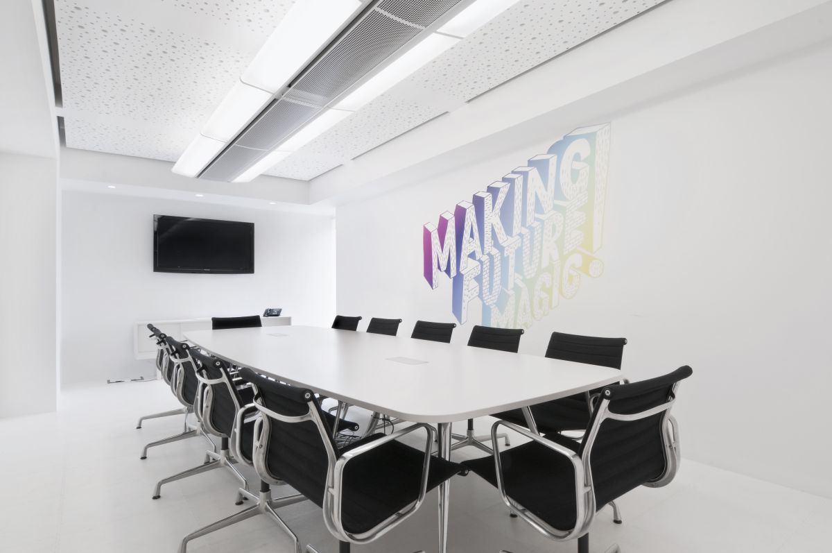Elegant business conference room ideas interior design for Office conference room decorating ideas