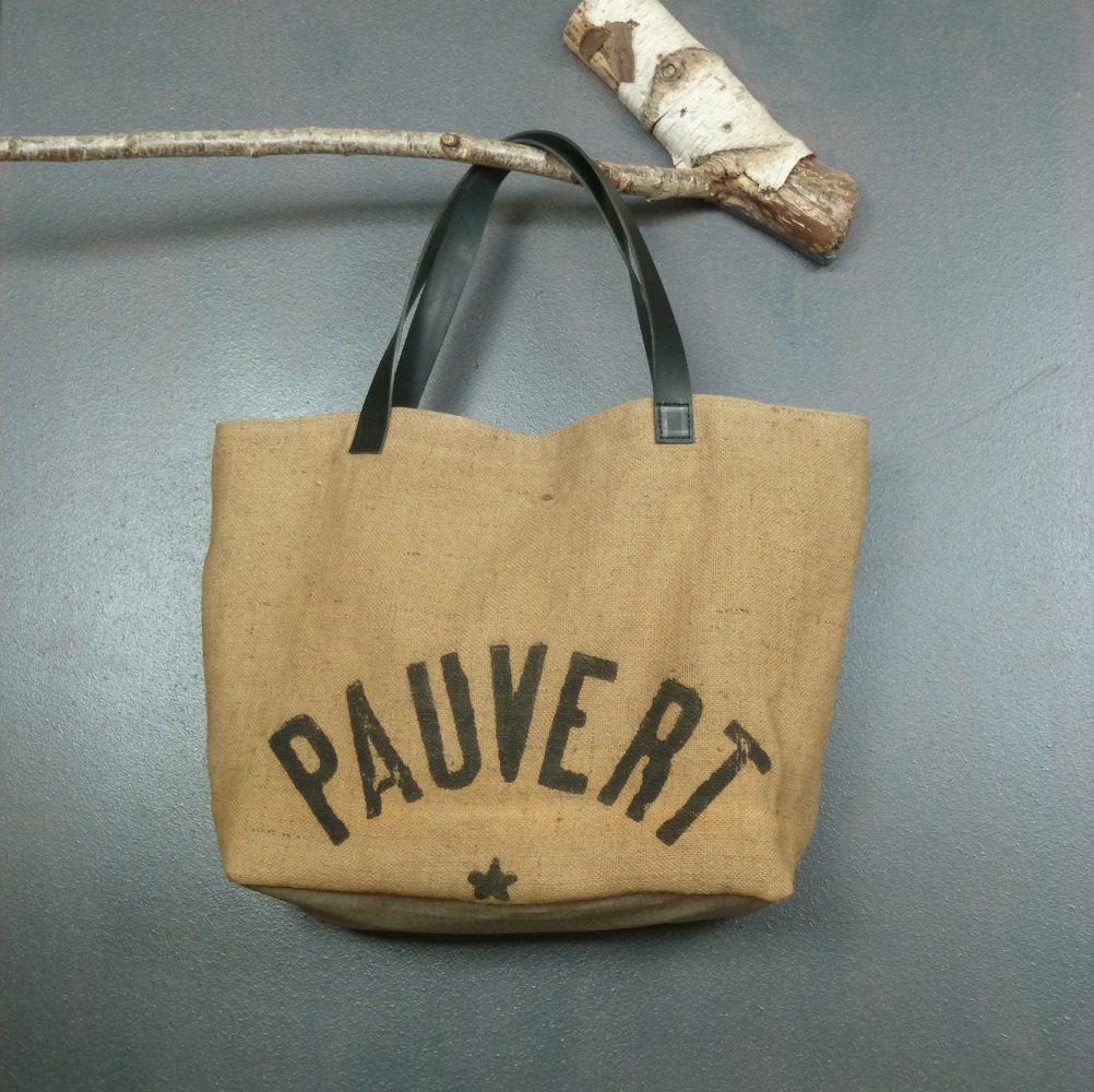 48902425aa Panier cabas souple upcycling sac à grains de minoterie en jute  publicitaire création artisanale Perche France de la boutique MADEinPERCHE  sur Etsy
