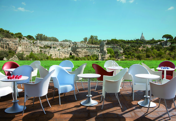 Driade Lord Yo Chair With The Lord Yi Table By Philippe Starck