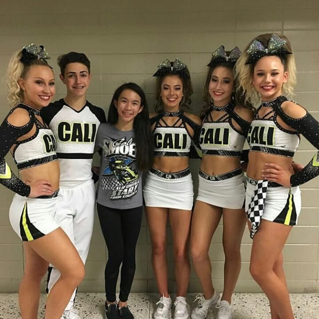 241 Likes 2 Comments Fxbows Gmail Com Fxbows On Instagram Smoed Looking Stunning With Th Cheer Picture Poses Cheerleading Outfits Allstar Cheerleading