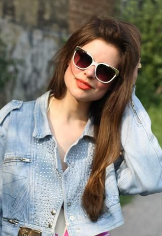 VINTAGE STYLE METAL TIPPED  SUNGLASSES