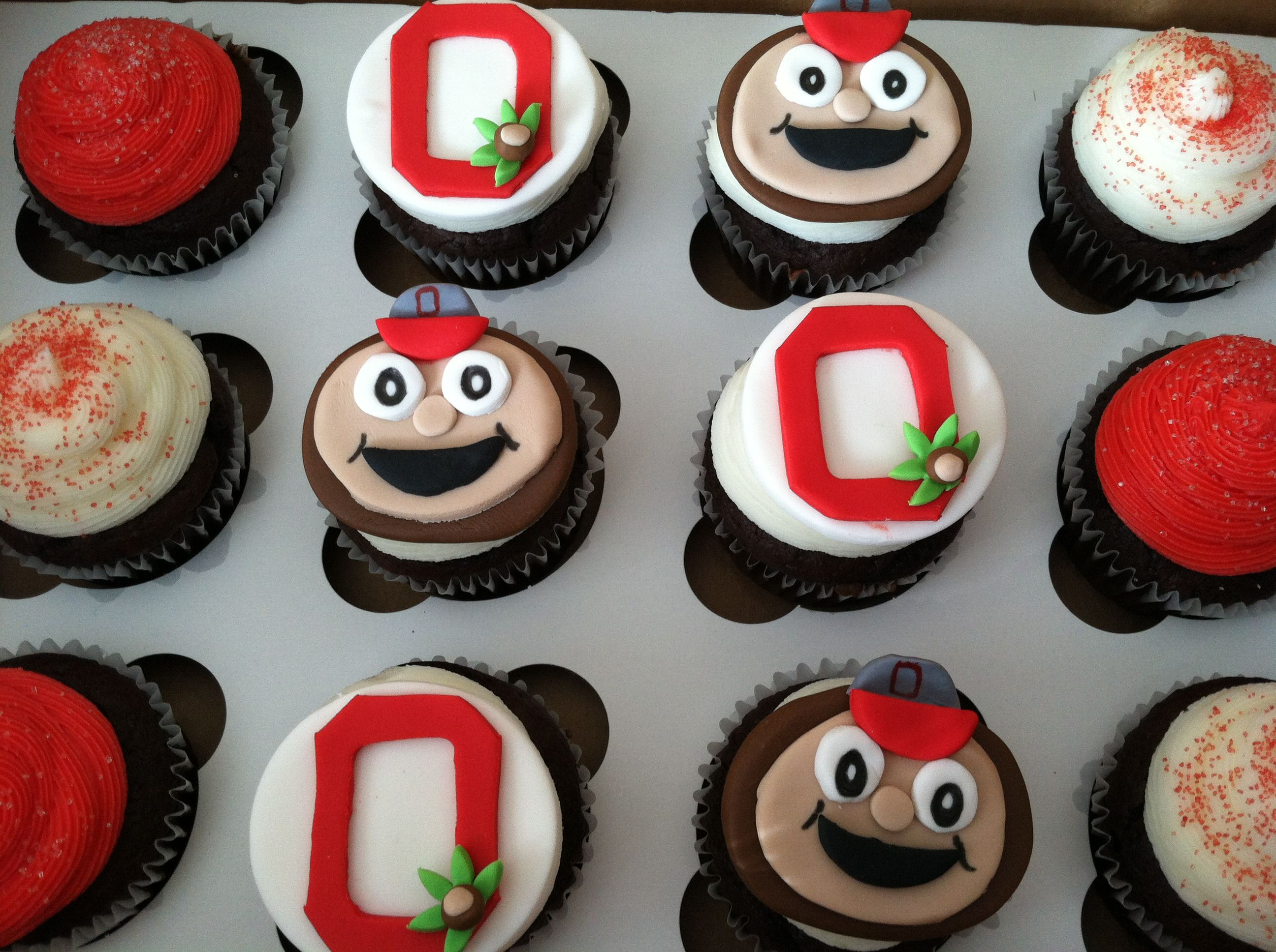 Osu Fondant Topped Cupcakes Sports Themed Cakes Cupcake