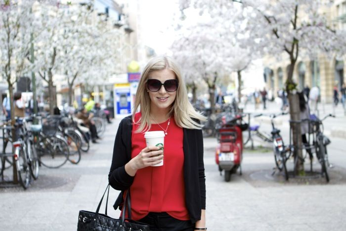 Outfit: Fuchsia and black