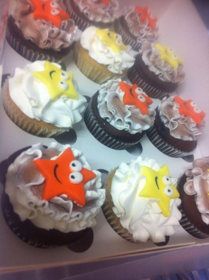 Chocolate and vanilla Dora theme cupcakes