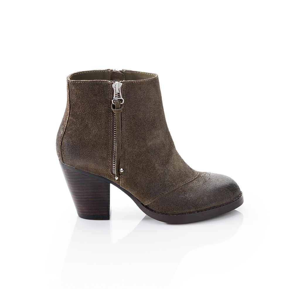 Holly in Olive Green - ShoeMint
