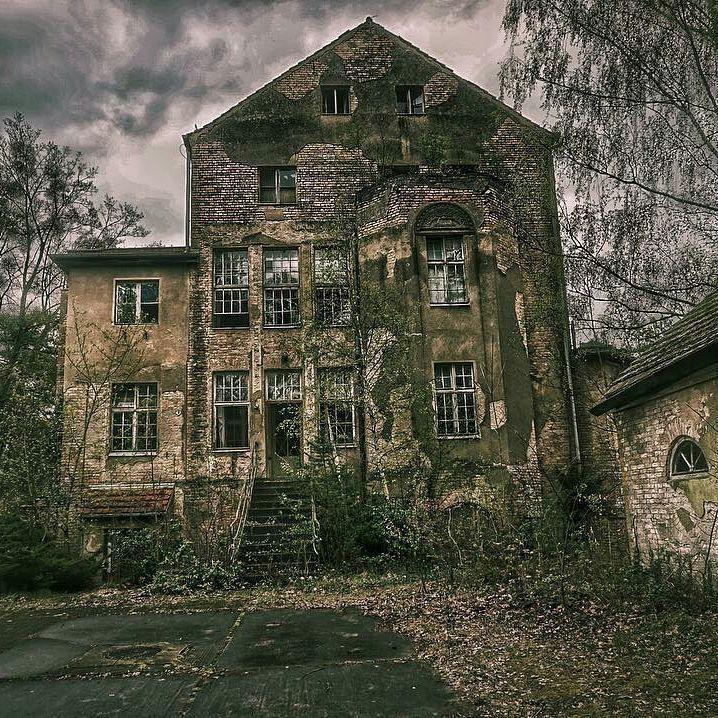 Lost Places In Deutschland #abandonedplaces Ob Mitten In