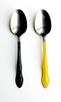 DEFINITELY making these when the boyf and I move to Vancouver!  Grab a bunch of second hand cutlery (wash well), dip the handles in paint (I'm thinking wall paint or nail polish, just to be dishwasher-safe), and voila!  A super cool, totally, unique, MATCHING cutlery set!