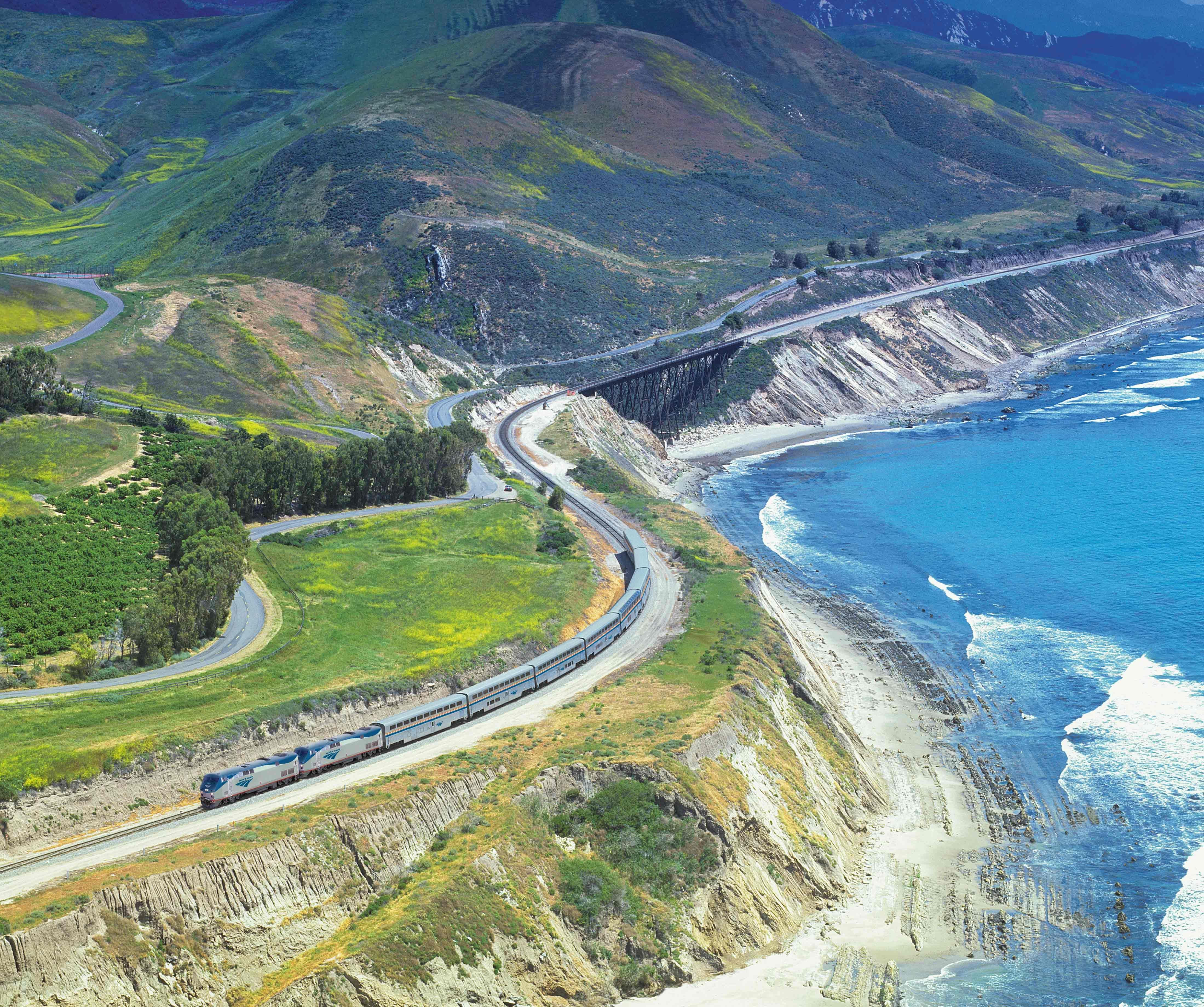 The Coast Starlight Train Runs From LA To Seattle/Portland