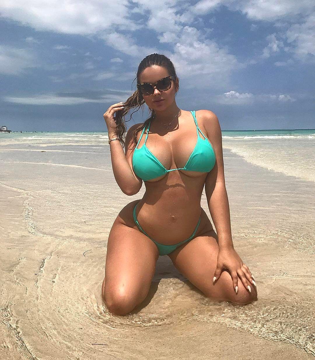 Смотреть видео bikini dare jane