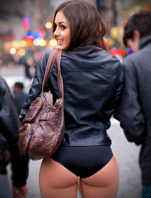 dark butts Dark buttocks or black bum is a common skin problem that may occur in people  of all ages.