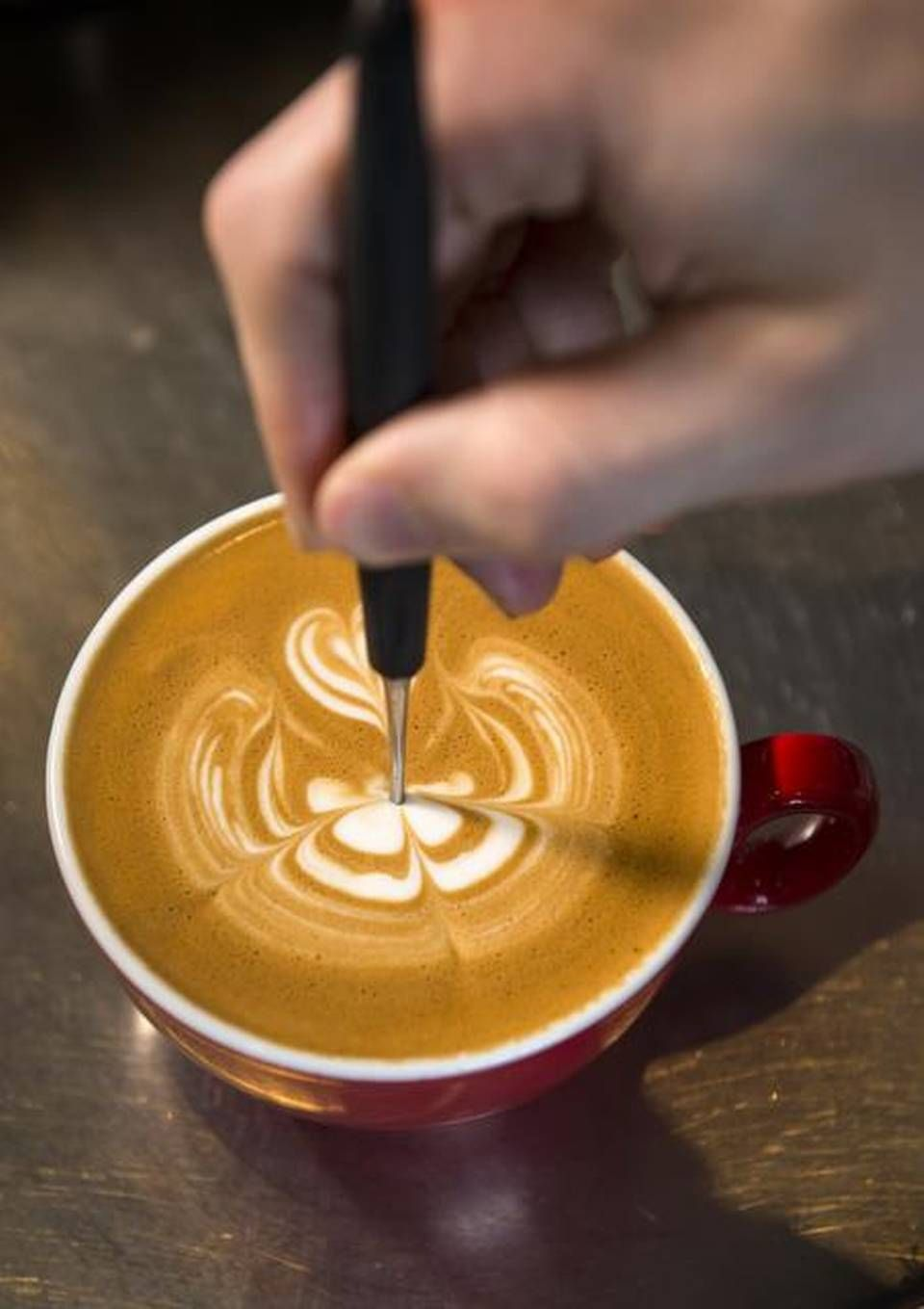 Coffee Latte Etching Latte Art Latte Art In 2019 Coffee Latte Art Coffee