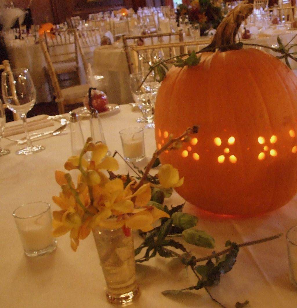November wedding decoration ideas  Now I love this Look at the pumpkin for a centerpiece Super idea