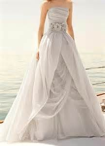 Calla Lily Wedding Dress Vera Wang Grey Wedding Dress Wedding Dresses Wedding Dresses Vera Wang