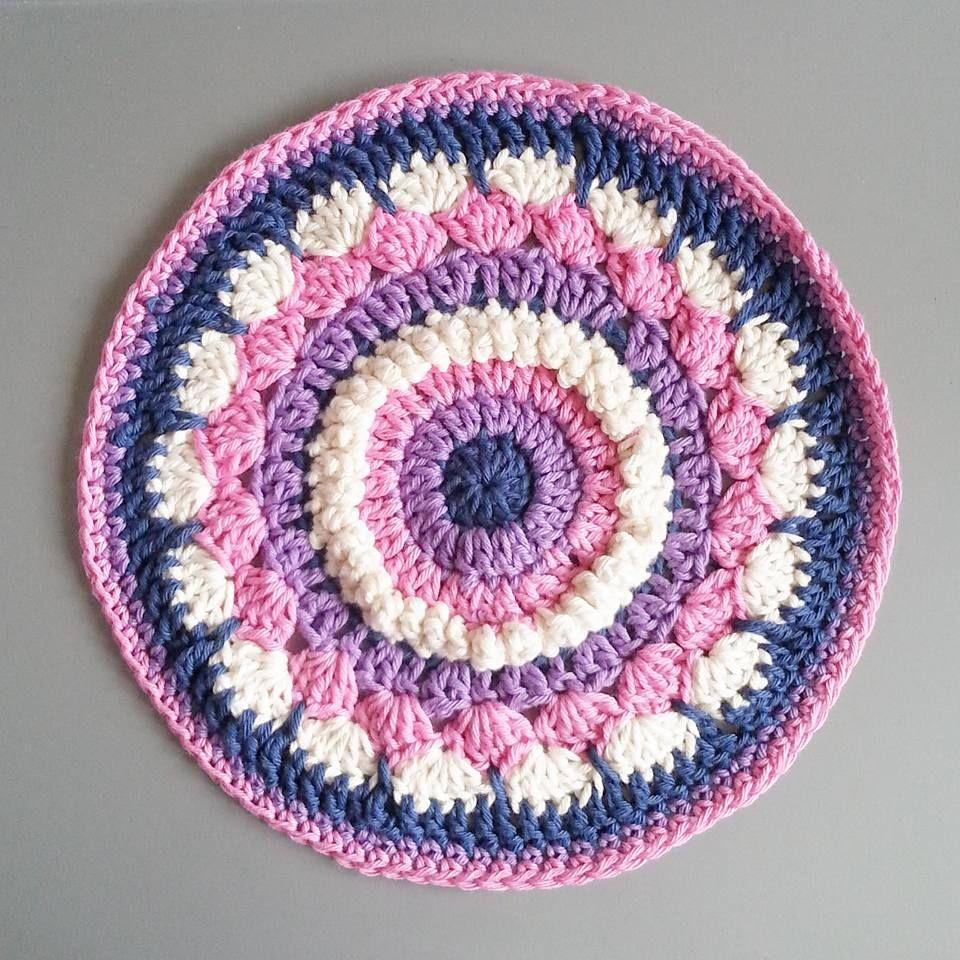 Mandala with me. This is the Princess Mandala CAL throw. Please ...