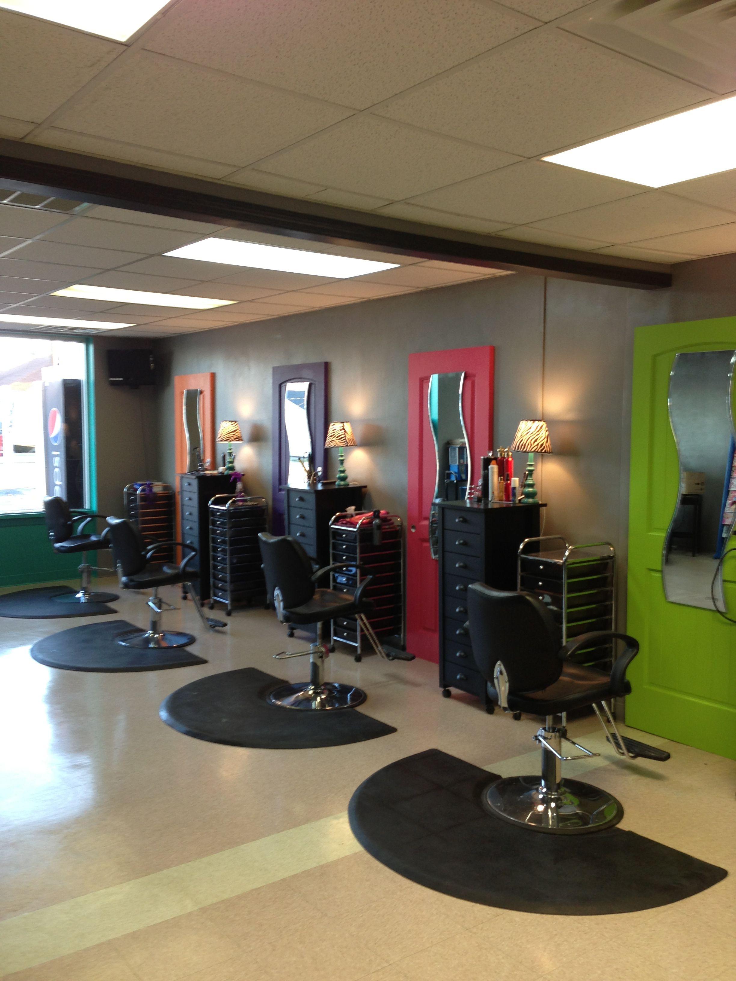 Bella Si Salon pop art decor Hair salon decor, Salon