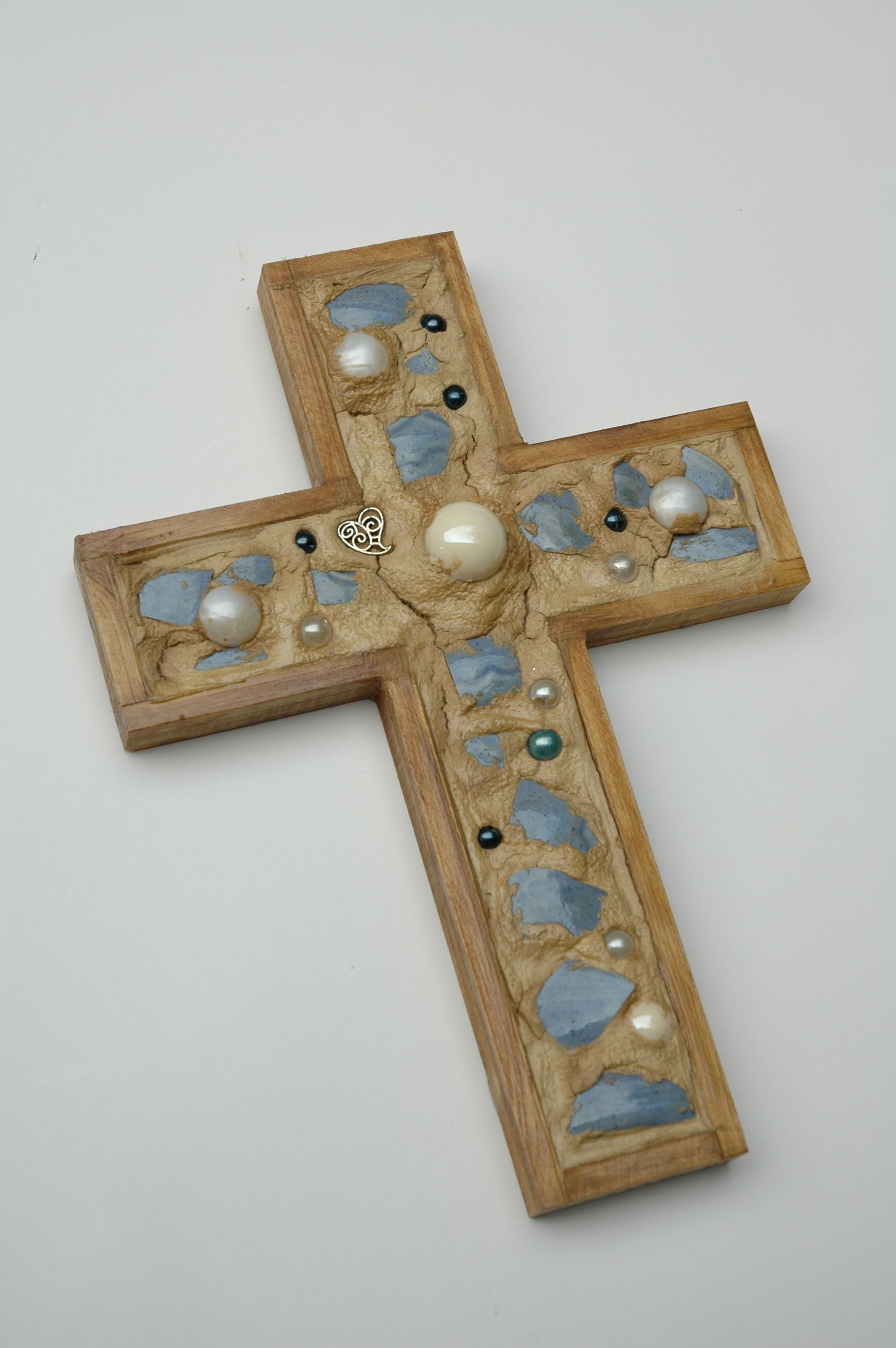 http://woodenmosaiccrosses.com
