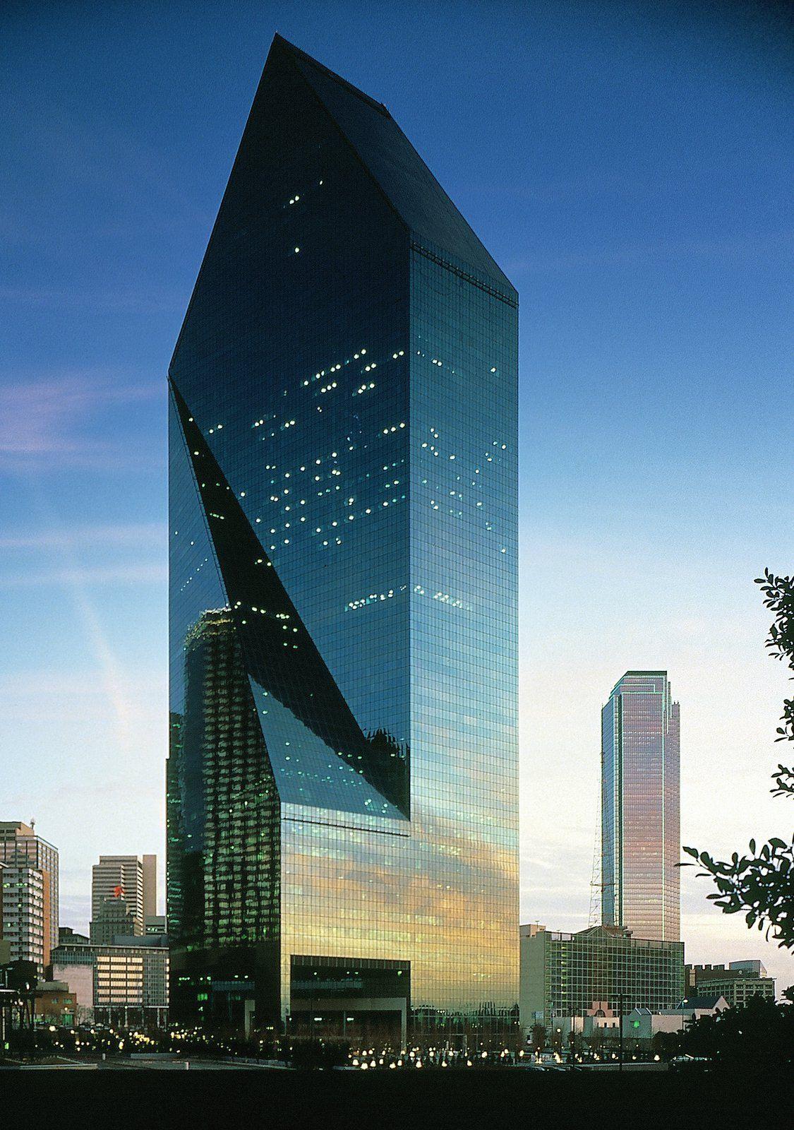 Fountain Place  Dallas  Architecture  Contemporary