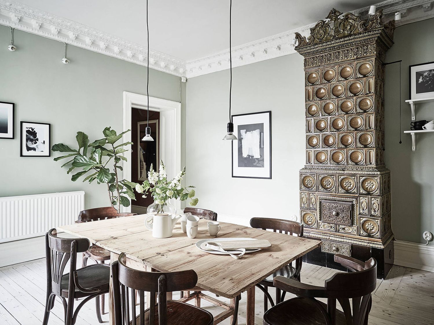 A swedish home with neutral colors rue dining rooms pinterest