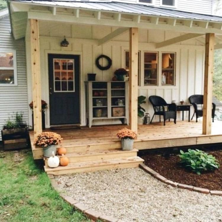 20+ Fabulous Farmhouse Front Porch Decorating Ideas