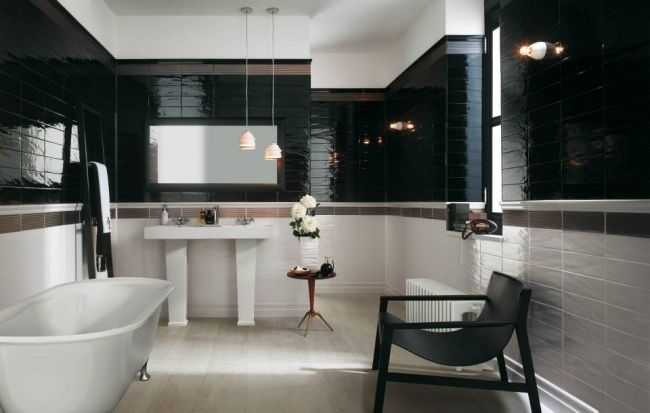 bad schwarz wei hochglanz fliesen fap ceramiche badewanne. Black Bedroom Furniture Sets. Home Design Ideas