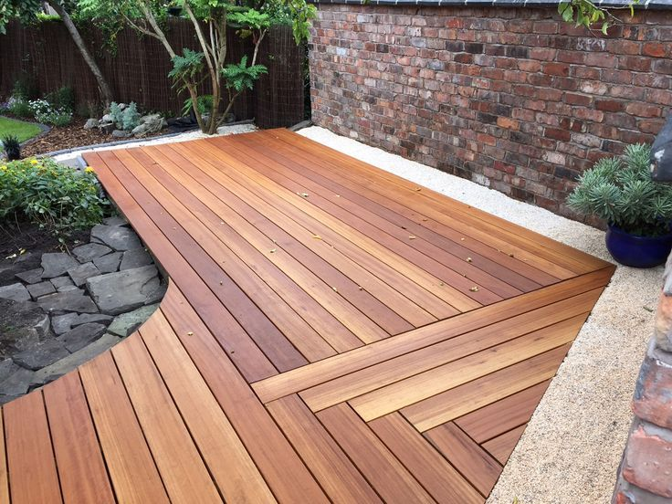 Yellow balau hardwood deck image thanks to conor for Circular garden decking