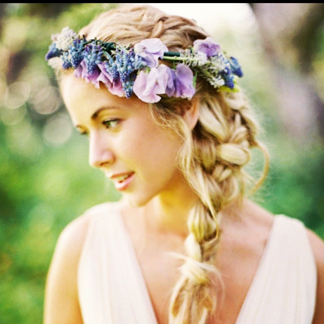 This is one of my favourite images from 2013 - reminds me of the spring & summer - such a simple plait with a pretty floral garland #vintage #hippy #boho #lilac #pink #blue