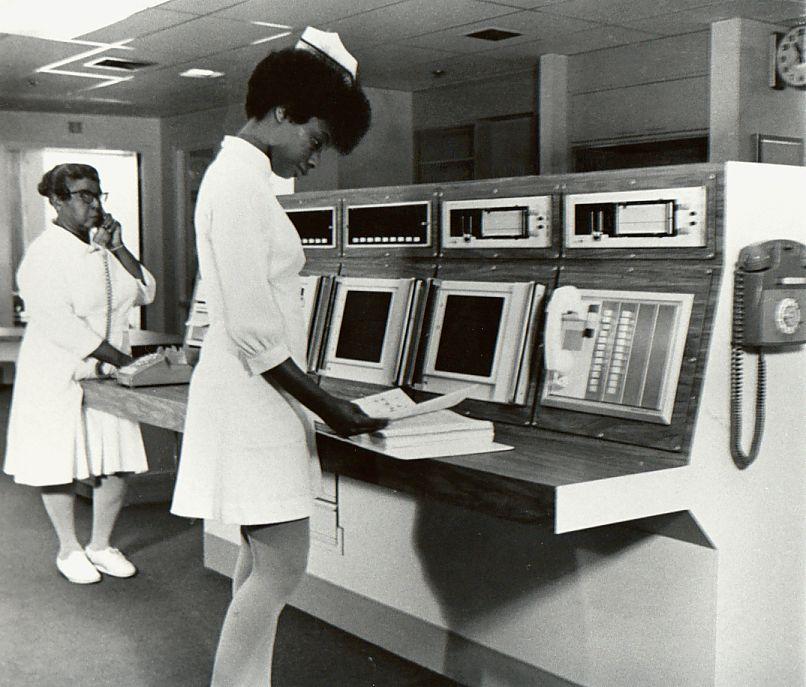 1967.jpg (806×687) (With images) Vintage nurse, Nurse