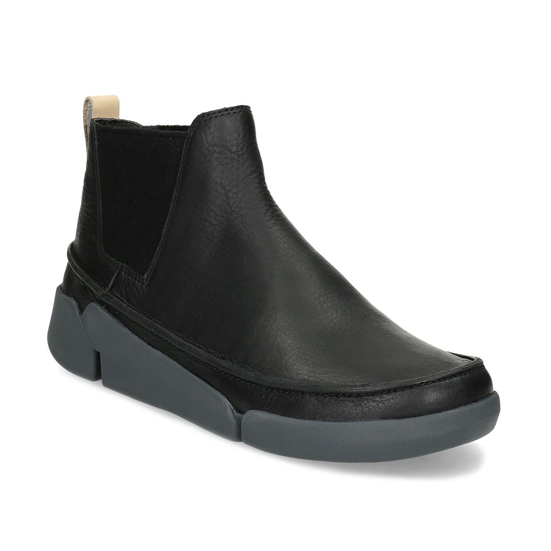 c9a0689b4ef8 Členkové dámske topánky Clarks majú zvršok z kvalitnej kože zdobený  výrazným prešívaním a elastické boky im