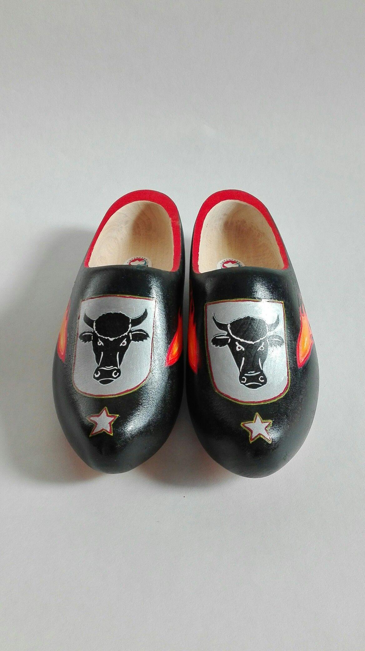 Holzschuhe vom Niederrhein   Schuhe bemalen   Pinterest   Schuhe