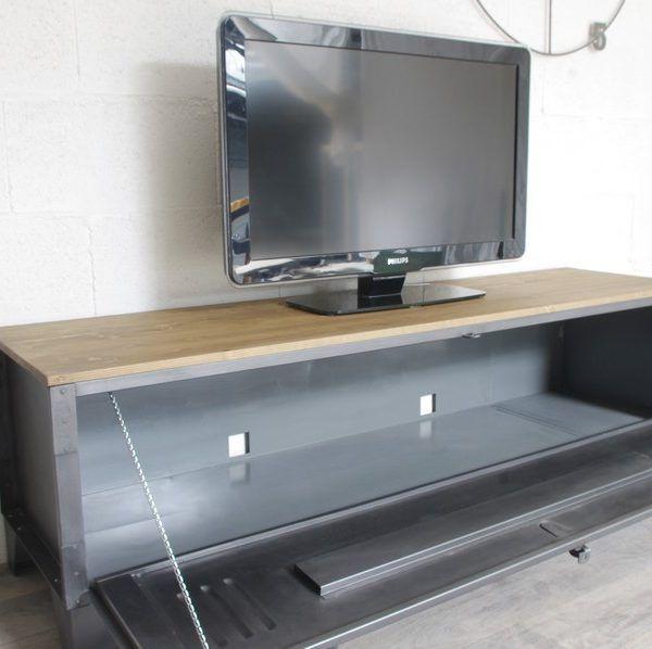 Meuble Tv Metal Industriel A Tiroirs Et Niche Pour Les Appareils Meuble Tv Industriel Meuble Tv Style Industriel Meuble Tv