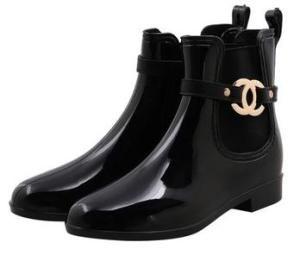 67a2c64446fe Botas de agua  tus pies secos y a la moda!!   Chanel   Pinterest ...