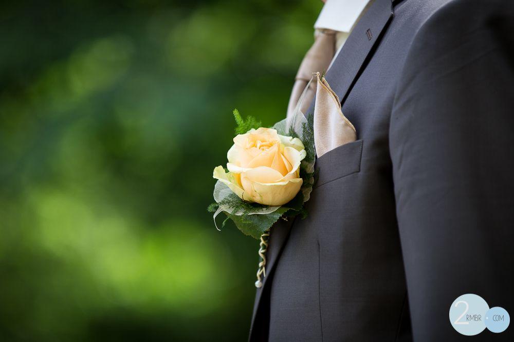 bruiloft, bruidsreportage,trouwen, trouwreportage, details, wedding, bruidegom, corsage