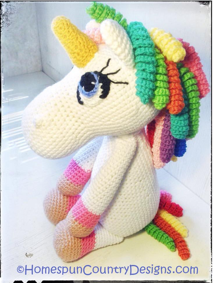 Jazzy the Unicorn Free Amigurumi Pattern | Jess Huff | 973x732
