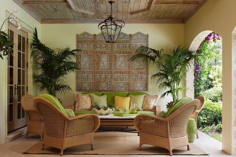 Outdoor entertaining quick garden makeover tips to wow for Tropical living room decor