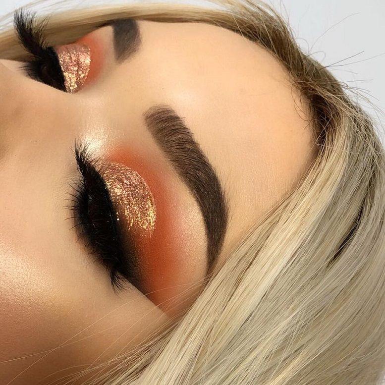 Mac Cosmetics dazzleshadow liquid in blinking brilliant